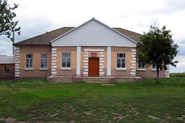 Клуб в селе Луковец Малоархангельского района. 2008 год.