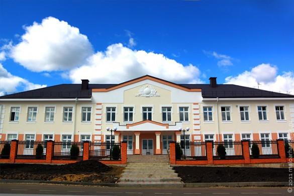 Малоархангельская средняя общеобразовательная школа № 2 после ремонта в 2011 году.